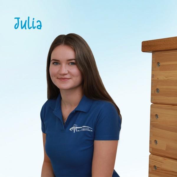 Julia_qnLCMgRmjBnF8